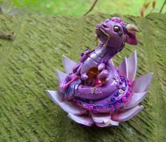Lotus Dragon by gummiberri
