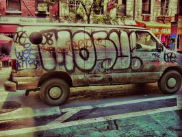Graffiti on car by Insanemoe