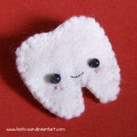 Tooth Felt Pin by Keito-San