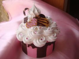 Cookie Cream Deco Box by Lustfulwish
