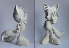 Handmade: GUESS WHO'S COMING! Or Tails WIP by vitav