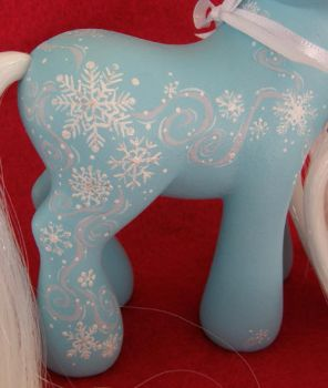 2011 Holiday Swap - Flurries pt 2 by KimmersCustoms