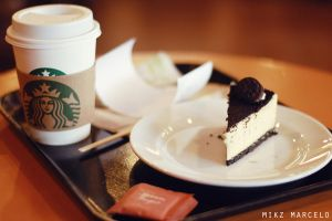 Cafe Americano and Oreo Cheescake is love by strubista