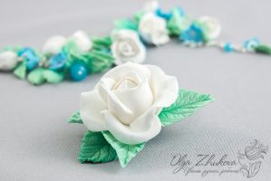 Hair clip with white rose by polyflowers