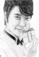 Donghae smiling by zulinHL