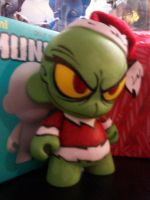 Munny Grinch by KidNotorious