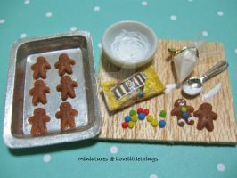 Miniature Gingerbread Men Prep Board by ilovelittlethings
