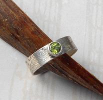 peridot  ring by thebluekraken