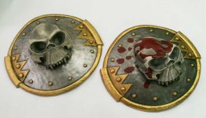 Ogre stomach plates with goblin skull trophy by DragonArmoury