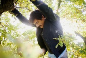 axel in the tree by Gonzale