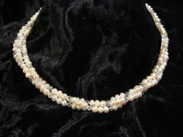 Freshwater Pearl Necklace by Sylverkitti