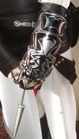 Altair gauntlet I made by Frijoleluna