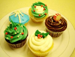 Christmas cupcakes by HILLYMINNE