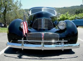 The Face of a 1941 Graham Hollywood by RoadTripDog