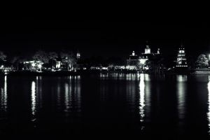 Epcot Lake by UniqSchweick12