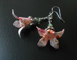 Origami Lily Earrings by sakuralu83