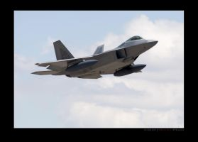 F22A, two bags of gas. by jdmimages