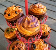 Halloween Cupcakes by CantankerousCupcake
