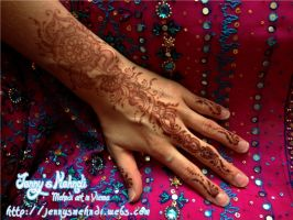 Stain Birtday Henna 2012 by JennysMehndi