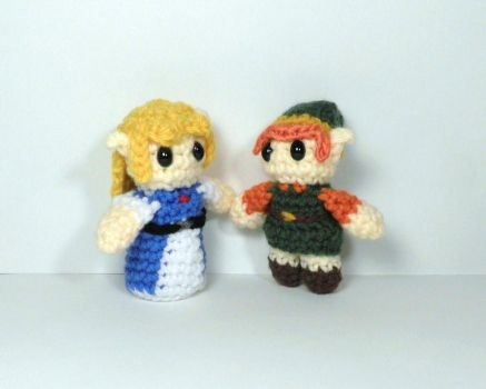 Tiny LttP Link and Zelda by BunnieBard