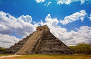 Chichen Itza, Mexico by M10tje