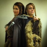 Lady Oakenshield and Lady Zinlaza, Hobbit Primiere by LadyOakenshield157