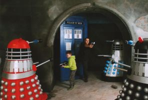 Dalek Attack! by mikedaws