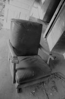 brown leather chair by xAgentxMulderx