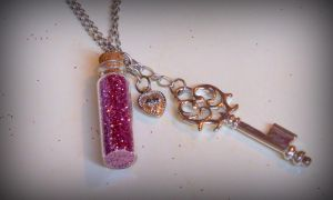 Pixie Dust Pendant Tutorial by RubyReminiscence