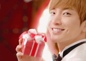 Leeteuk's Precious Smile. by imawesomeee03