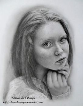 Portrait graphite by DansedesSonges