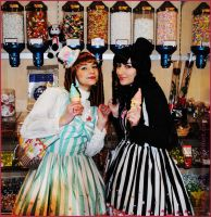 Gothic Lolita - We love candy! by Kiara-Valentine