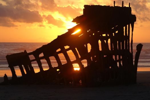Shipwreck of Peter Iredale by olyolsen