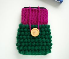 Crocheted Phone Case (bobble stitch + fpdc + dc) by tinyAlchemy