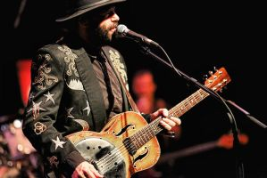 Blackie and the Rodeo Kings: Colin Linden by basseca
