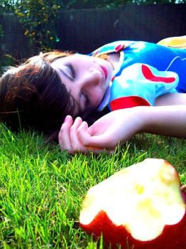 snow white...dead by False-nothings