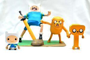 Adventure Time and mini Adventure Time Papercraft by henrydig