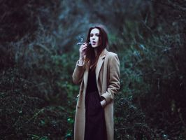 smoking girl by psychiatrique