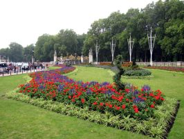 Going to Buckingham Palace by kwizar