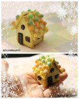 Miniature Gingerbread House (TUTORIAL LINK) by AyameMatsu