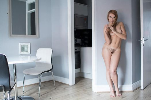 Rubia all nude and seductive by Metzil