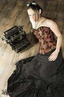 Flowered brown corset by Contreedessonges