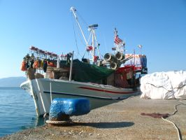 Fishing boat by chrissef