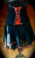Gothic Corset and skirt by mariedark