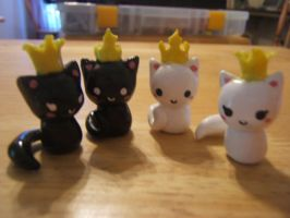 Kitty Chess: Kings and Queens by superayaa