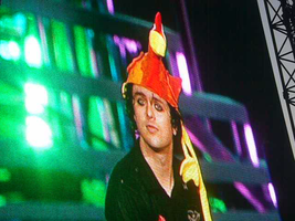 Billie Joe with a chicken hat by xDannax