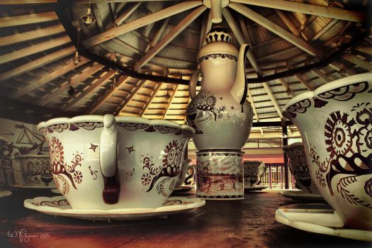 Would you fancy some tea? by Pajunen