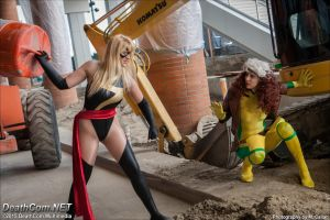 Rogue VS Ms Marvel: Tables have turned by EccentricCasey