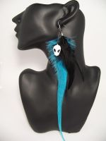 Long Teal and black feather by Meeshah