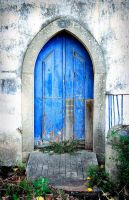 Blue door - Tomar Portugal by oldcanons